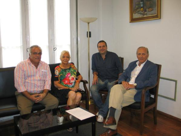 En la visita del presidente de la Sociedad Brasilera de Odontología Estética a la AOA